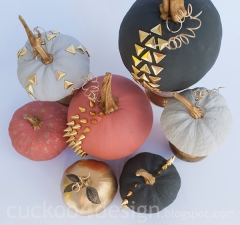 halloween-pumpkins-studded-glitter-chalk-paint1